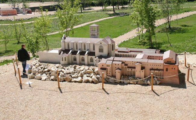 makieta Bazyliki Św. Franciszka w Asyżu tuż po montażu