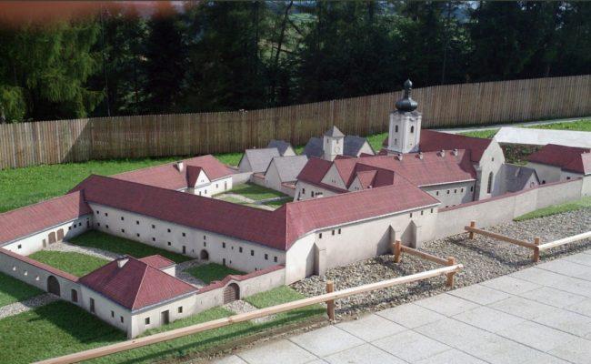 Czerwony Klasztor Makieta w skali 1:20