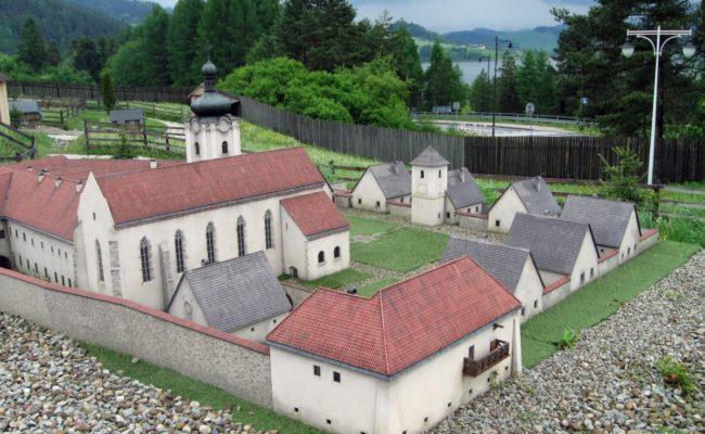 Czerwony Klasztor w miniaturze