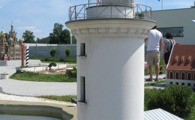 makieta latarni morskiej Uzava