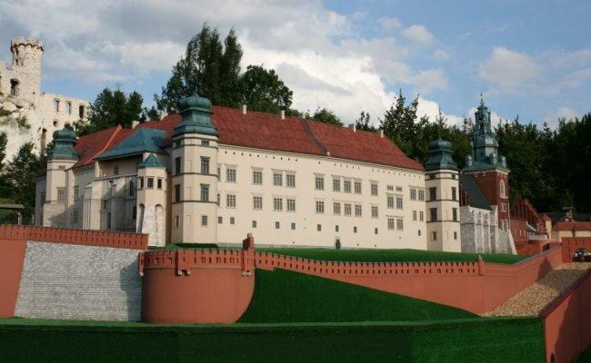 Zamek Królewski na Wawelu makieta architektoniczna widok od ul Grodzkiej