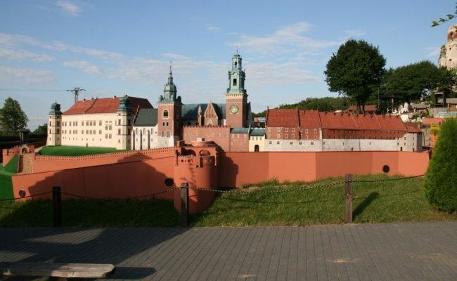 Zamek Królewski na Wawelu makieta architektoniczna park miniatur Ogrodzieniec