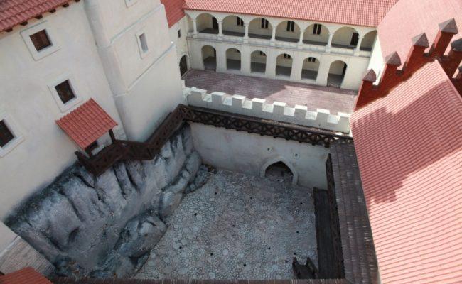 Zamek Rabsztyn z lotu ptaka makieta architektoniczna
