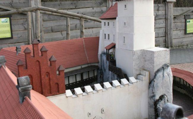 Zamek Rabsztyn makieta architektoniczna widok na zamek górny rekonstrukcje