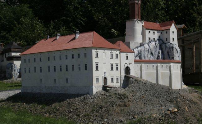 Zamek Rabsztyn przykład makiety architektonicznej