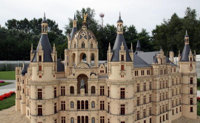 Bałtycki park Miniatur makieta architektoniczna zamku Schwerin
