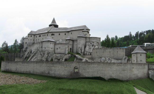 Zamek Spisski makieta architektoniczna w budowie