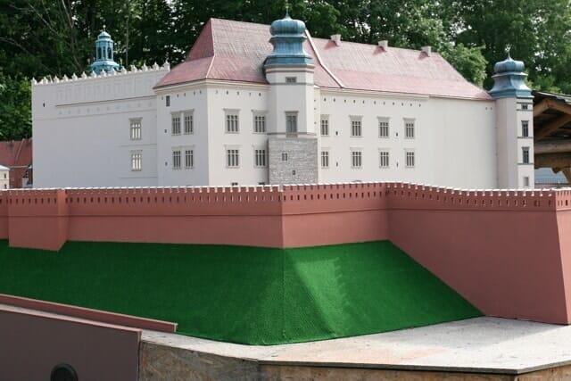 montaż makiety wzgórze Wawelskie (15)