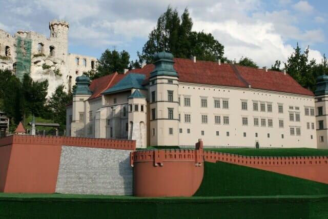 montaż makiety wzgórze Wawelskie (21)
