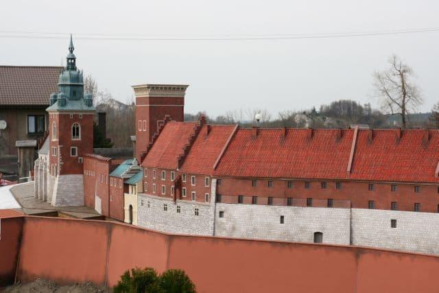montaż makiety wzgórze Wawelskie (5)