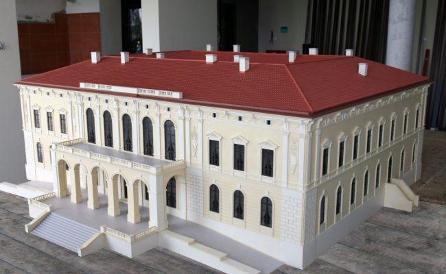 Pałac w Pilicy makieta przed wyjazdem do Parku Miniatur w Ogrodzieńcu