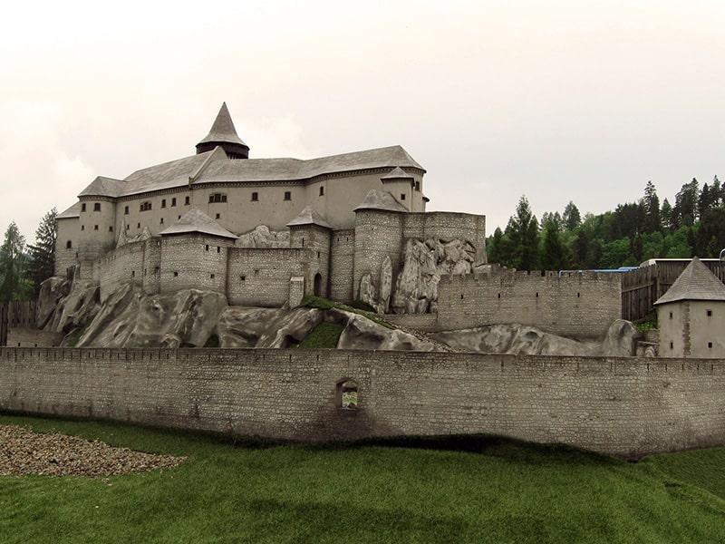Rekonstrukcja zamku Spisskiego