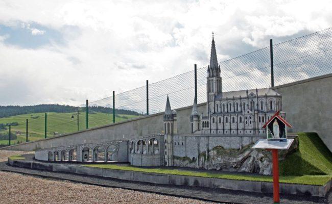 Sanktuarium_Lourdes_makiety_historyczne_SIE_2015_pracownia_makiet_Silva